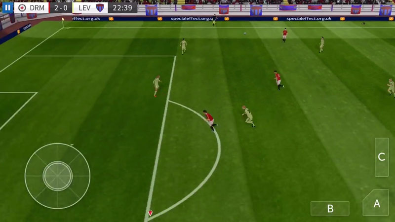 Dream League Soccer 2016 на телефон
