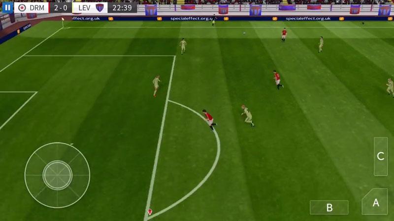 Dream League Soccer 2016 на телефон